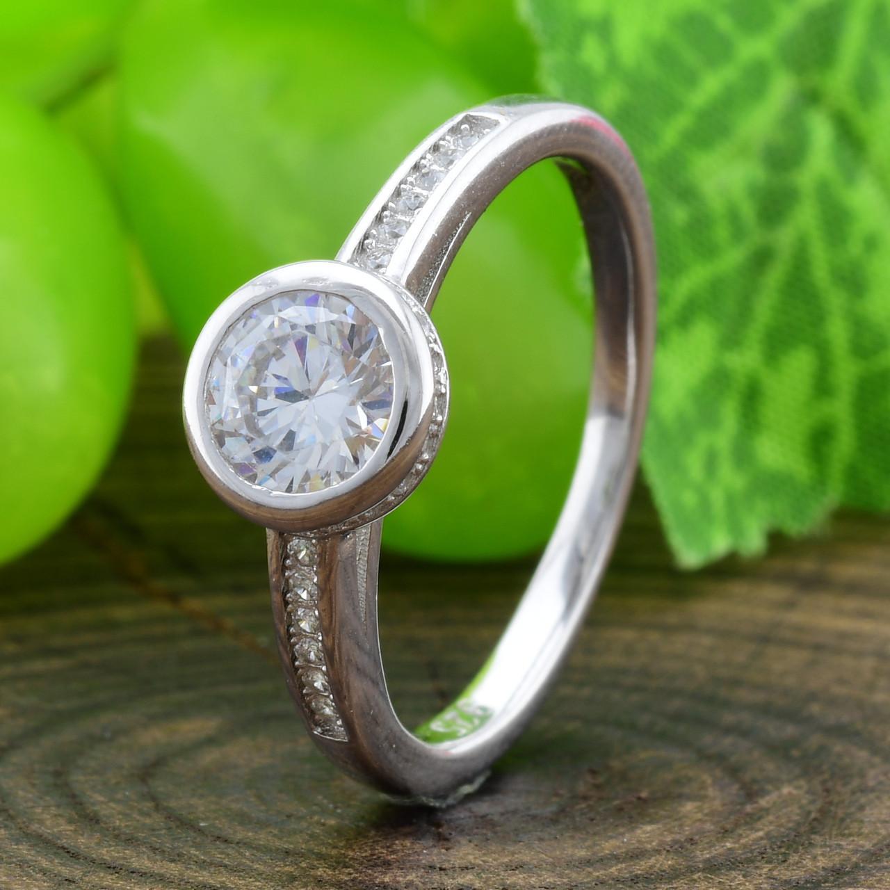 Серебряное кольцо Вечное очарование вес 2.95 г размер 17.5