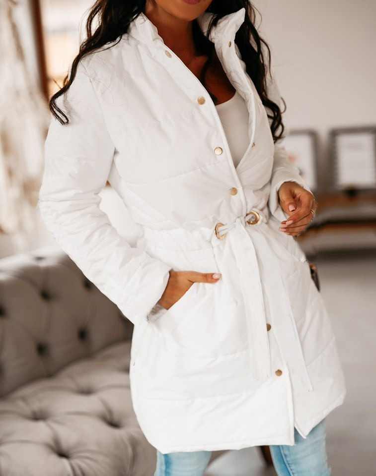 Женская куртка, плащёвка + синтепон 100 + подкладка, р-р 42-44; 44-46 (белый)
