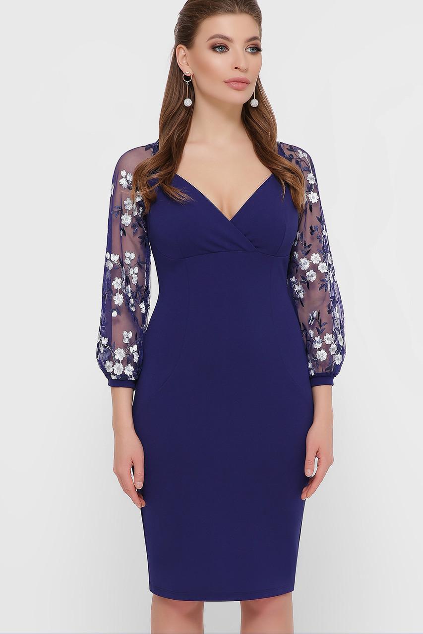 Нарядное платье-футляр с вышивкой синее коктейльное, S(44)
