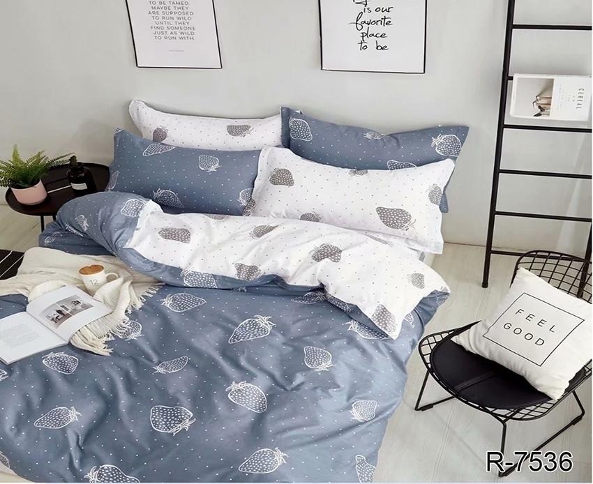 Двуспальный комплект постельного белья серого цвета с клубникой в горошек, Ранфорс