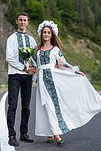 Ізумрудна розкіш, вишите плаття в одному кольорі з пишним рукавом і приємним відтінком