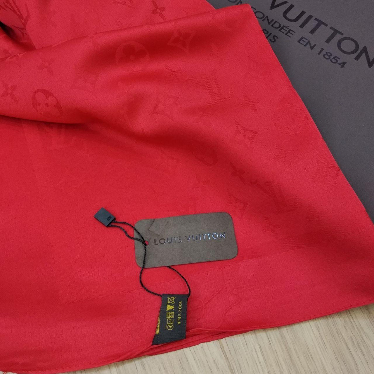 Платок Louis Vuitton шелк красный