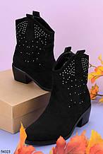 Женские ботинки ДЕМИ / осенние с декором на каблуке 4 см черные эко замш