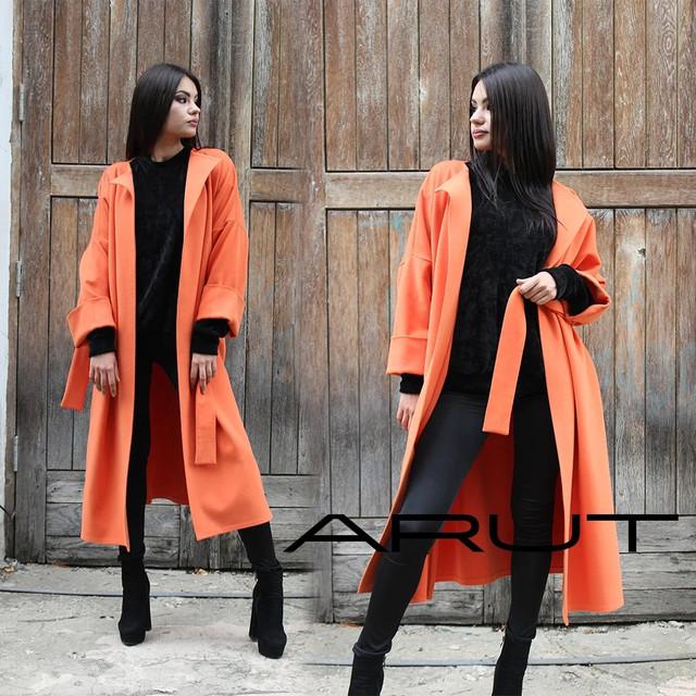 Осіннє жіноче пальто з кашеміру