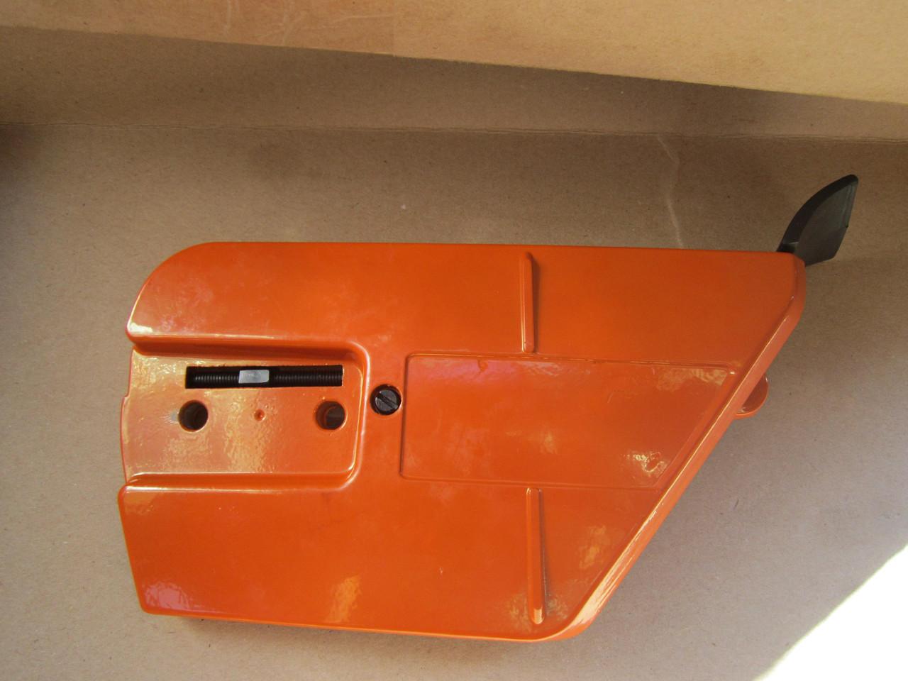 Крышка шины с механизмом натяжения цепи к бензопиле Хускварна 365, 372