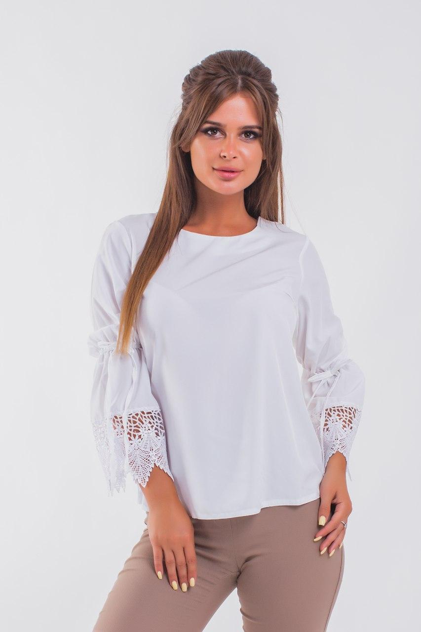 Белая однотонная блузка с кружевом 42-48