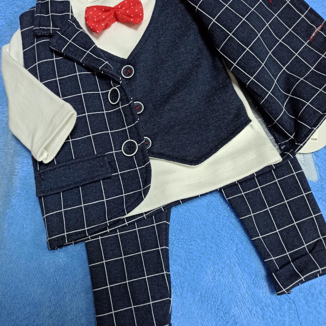 Костюм для мальчика нарядный тройка с бабочкой и жилеткой.