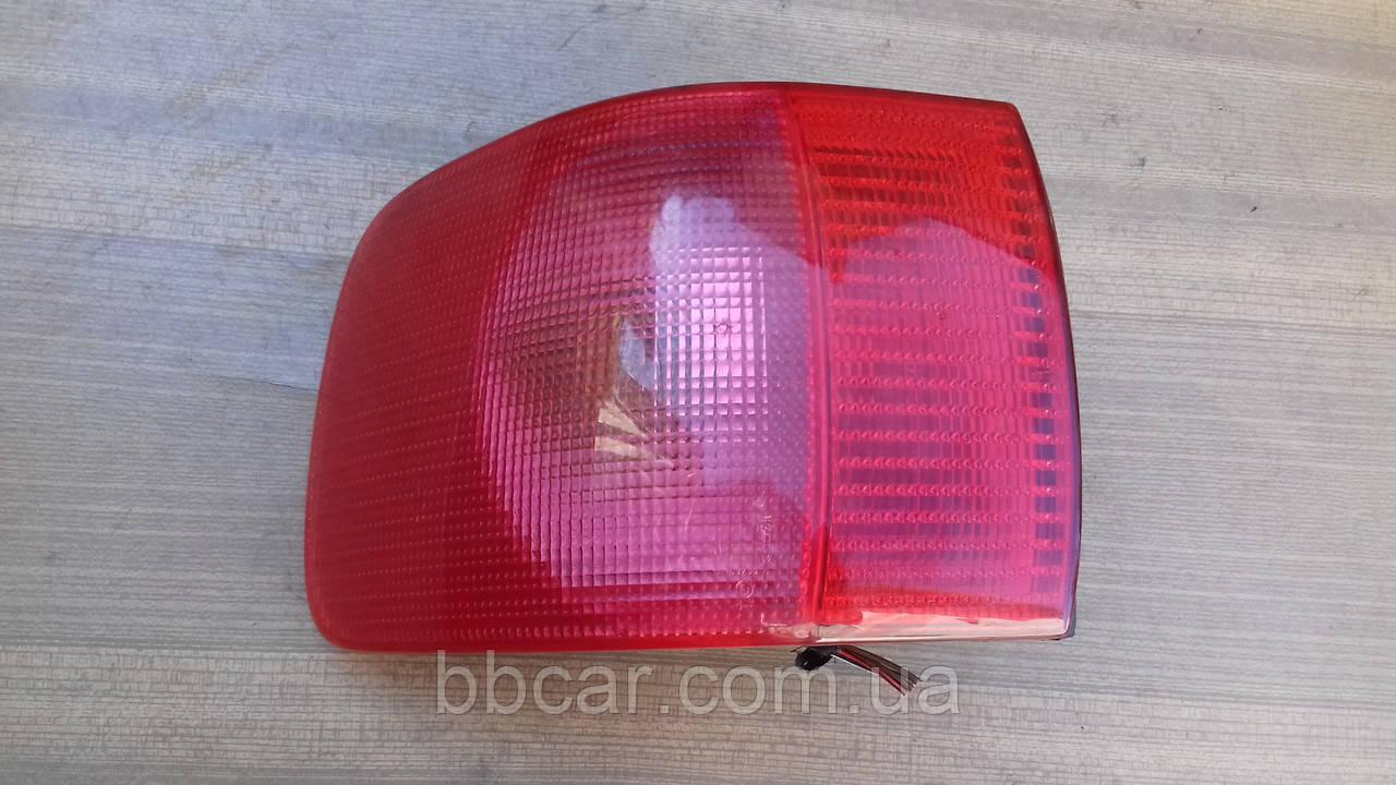 Задній ліхтар Audi 80 B-4 Hella 8A0 945 095 E ( L )
