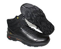 Зимние мужские ботинки черного цвета на шнуровке