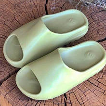 Шлепки летние женские  Adidas Yeezy Slide Desert Resin оливковые (top replic)