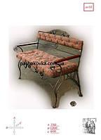 Кованый диванчик с мягкой спинкой