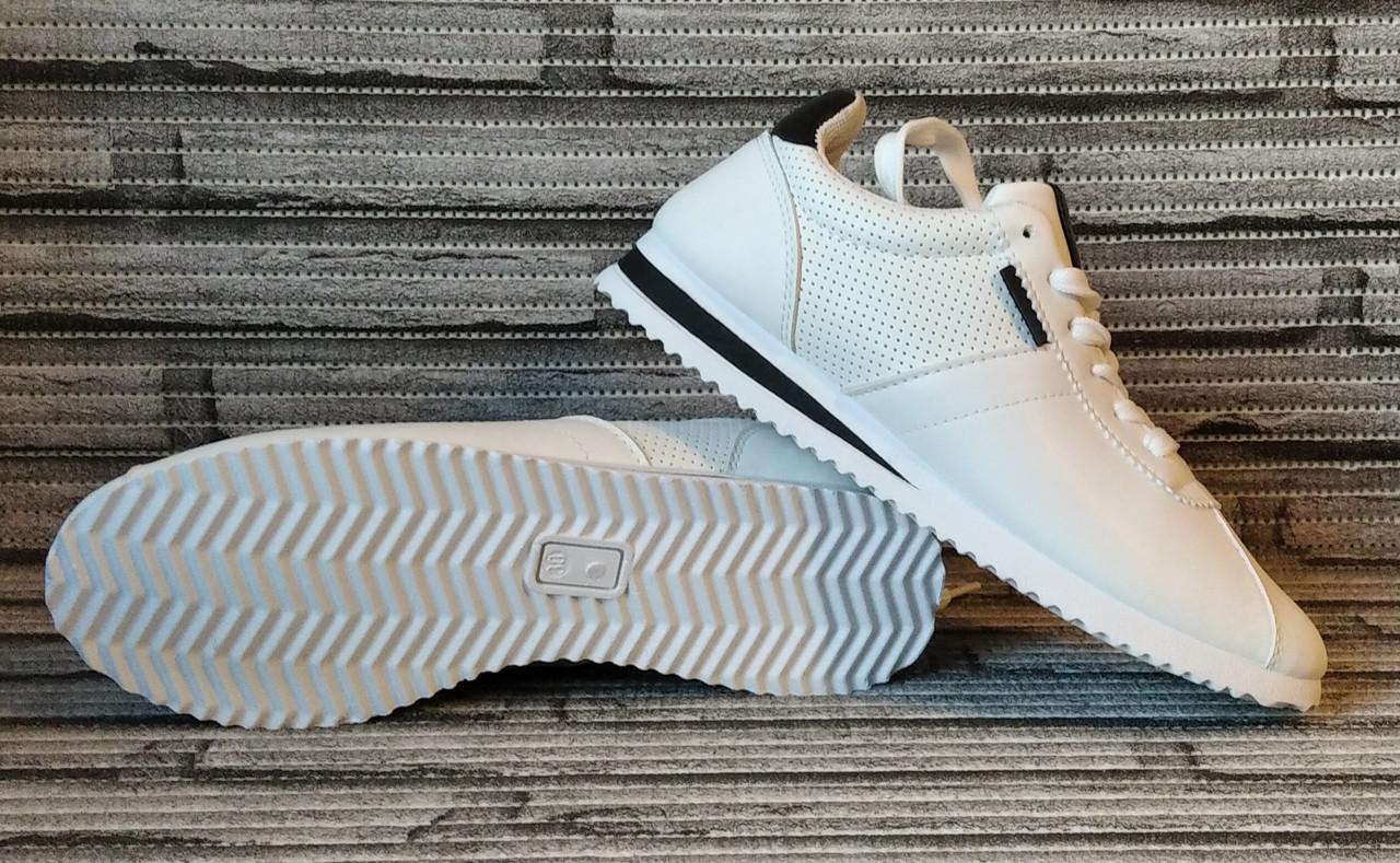 Кроссовки женские Wei Wei. Белые кожаные кеды. Слипоны. Кросы в стиле Adidas.