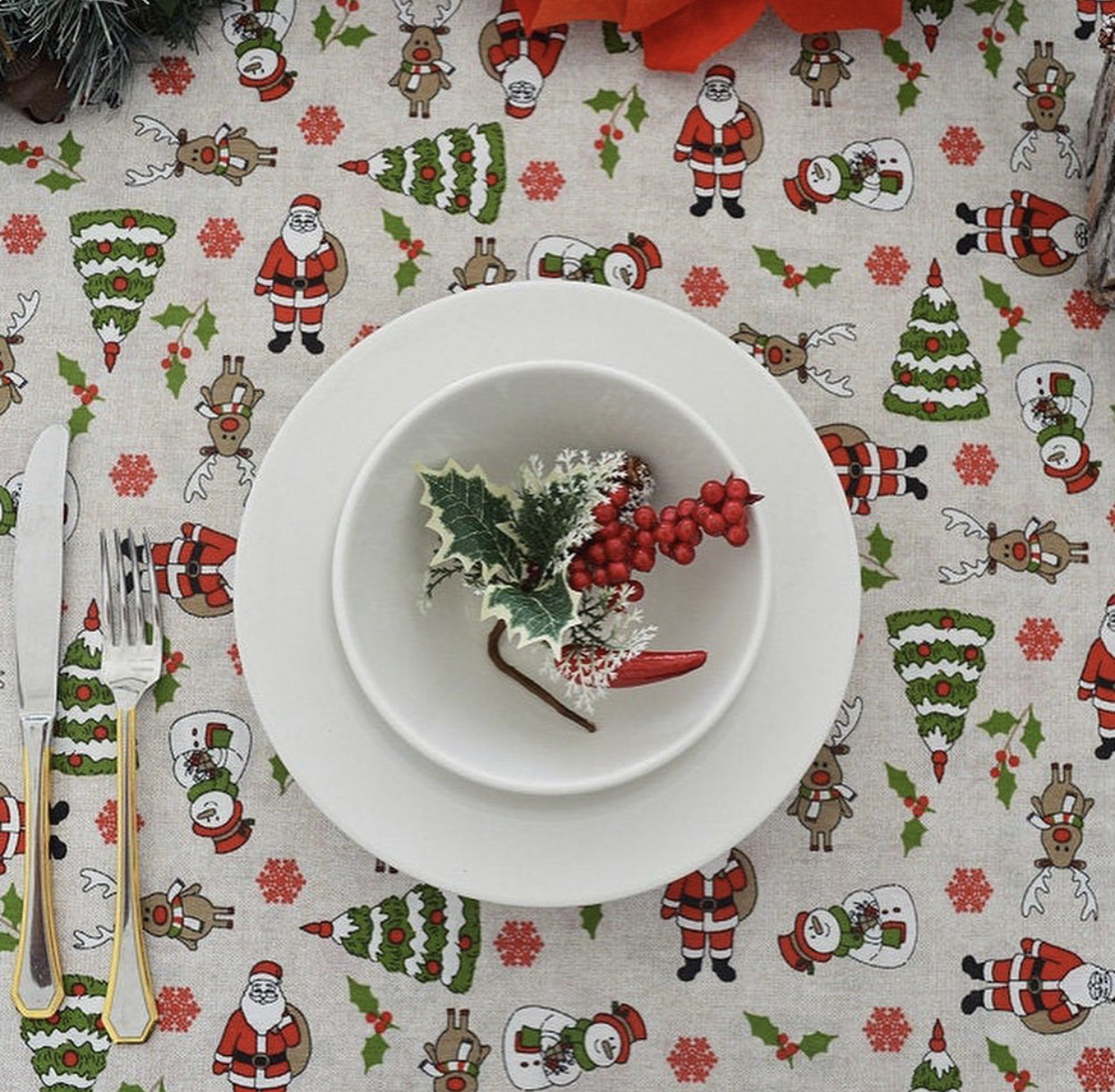 """Новогодняя скатерть """"Санта"""""""