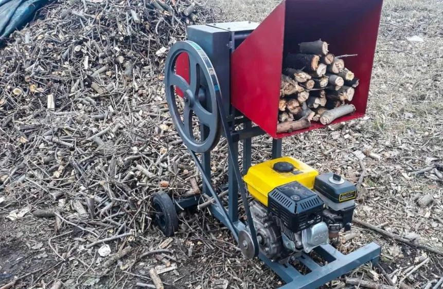 Садовый Измельчитель веток до 65мм бензиновый двигатель