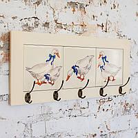 Настінна вішалка тримач для рушників з дерева та кераміки Allicienti Чеські гусочки 23х53 см