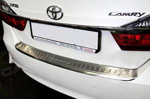 Накладка на задний бампер с загибом Toyota Camry 50