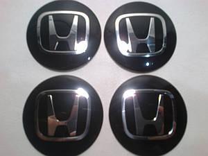 Наклейка выпуклая на колпачок диска Honda черная 56 мм
