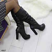 Женские ботфорты черного цвета на высоком каблуке