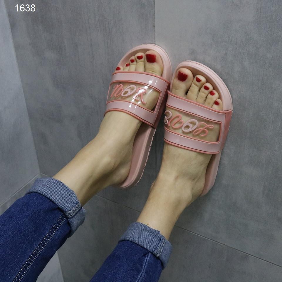 Жіночі шльопанці світло рожеві