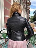 Чорна куртка з гладкої шкіри з діагональними рядками, фото 6