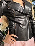 Черная куртка из гладкой кожи с диагональными строчками, фото 2