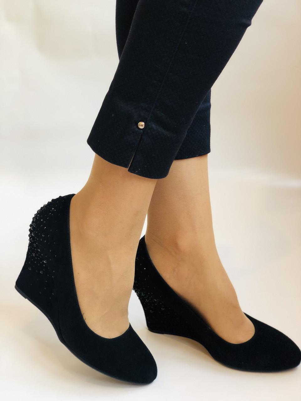 Жіночі модельні туфлі-човники на скелі.Blue Tempt. Натуральна замша. Чорний Розмір 39.40