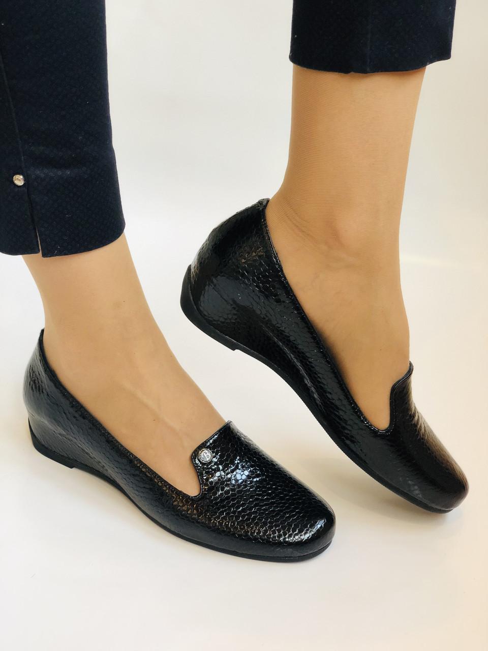 Хіт! Жіночі туфлі на низькій танкетці .Натуральна лакована шкіра.Туреччина. Висока якість 37,39