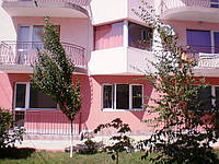 Уютные апартаменты в новом комплексе всего в 50 м от пляжа, в местности между Равдой и Несебром!