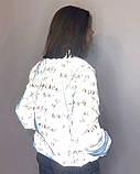 Куртка женская светоотражающая из рефлективной ткани с принтом Буква серебряного цвета, фото 3
