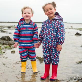 Детские дождевики и резиновые сапоги