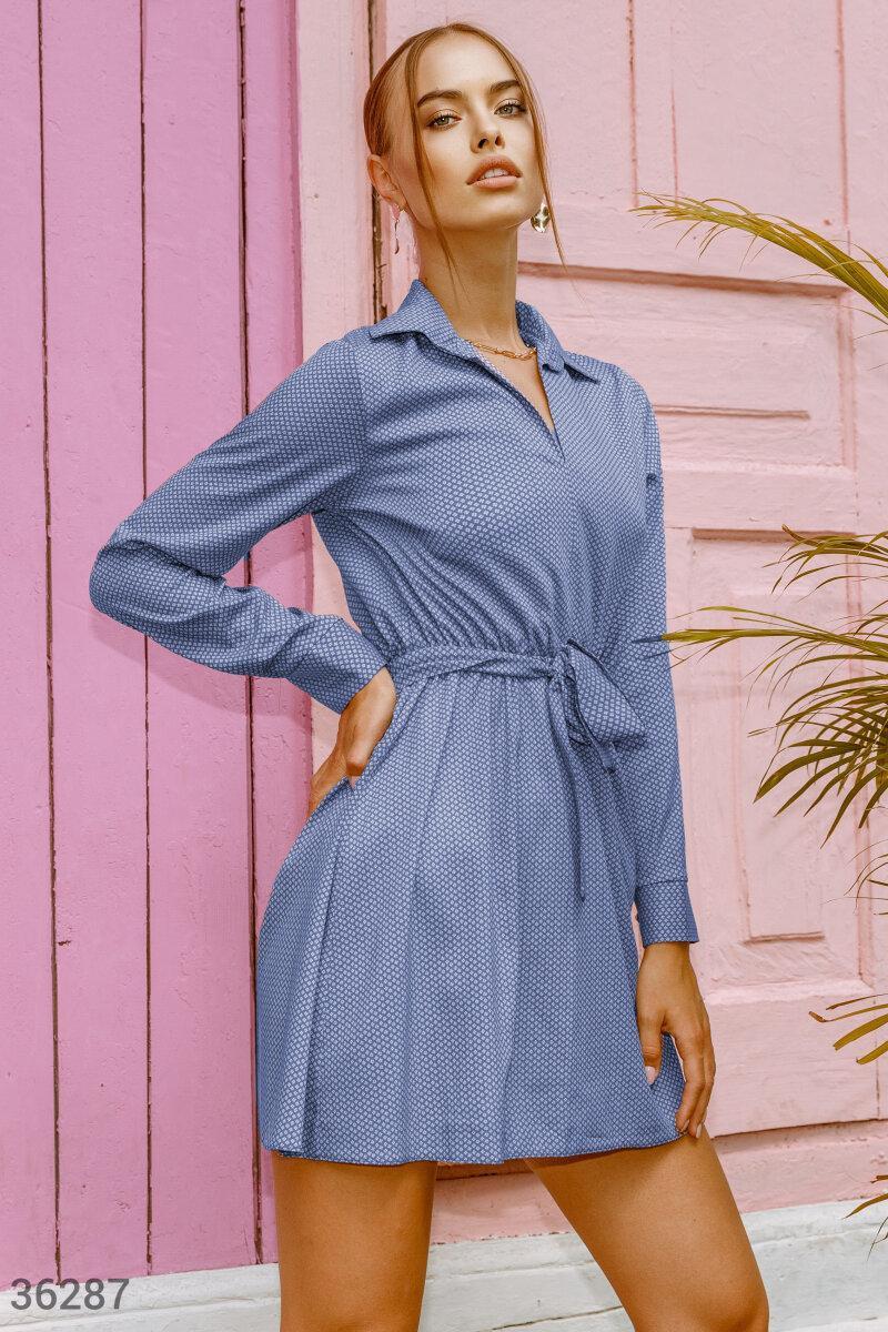 Офисное платье с воротником синее