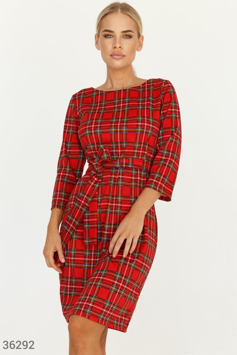 Трикотажне плаття в шотландську клітку червоне