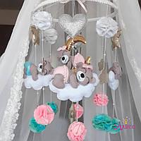 Мобиль из фетра на кроватку «Мишки на облаках»