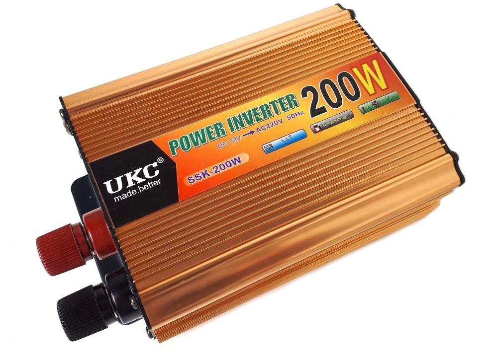 Преобразователь авто инвертор UKC 7063 12V-220V 200W