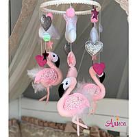Мобиль из фетра на кроватку для девочки «Розовый фламинго»
