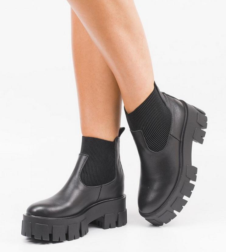 Женские массивные ботинки на тракторной подошве Черные Размеры 36-41