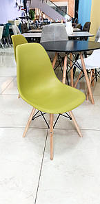 Пластиковый стул M-05 лайм от Vetro Mebel + буковые ножки
