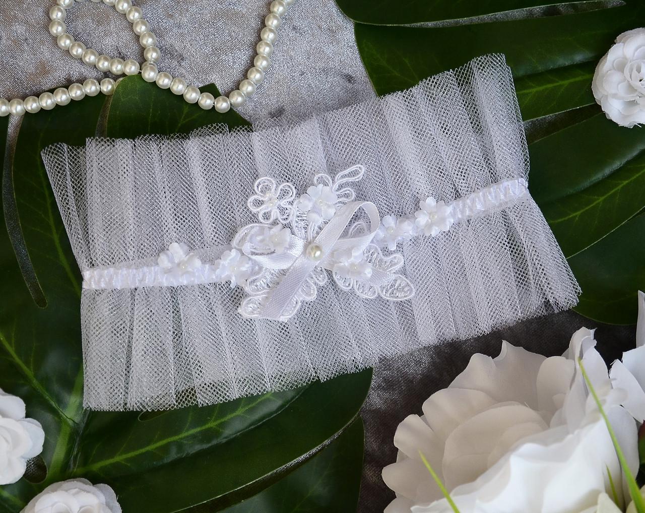 Свадебная белая подвязка на ногу для невесты