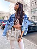 Женская джинсовка оверсайз с бахромой на карманах из страз джинсовая куртка, фото 2