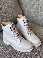 Комфортные женские ботинки Шанель белые (реплика), фото 1