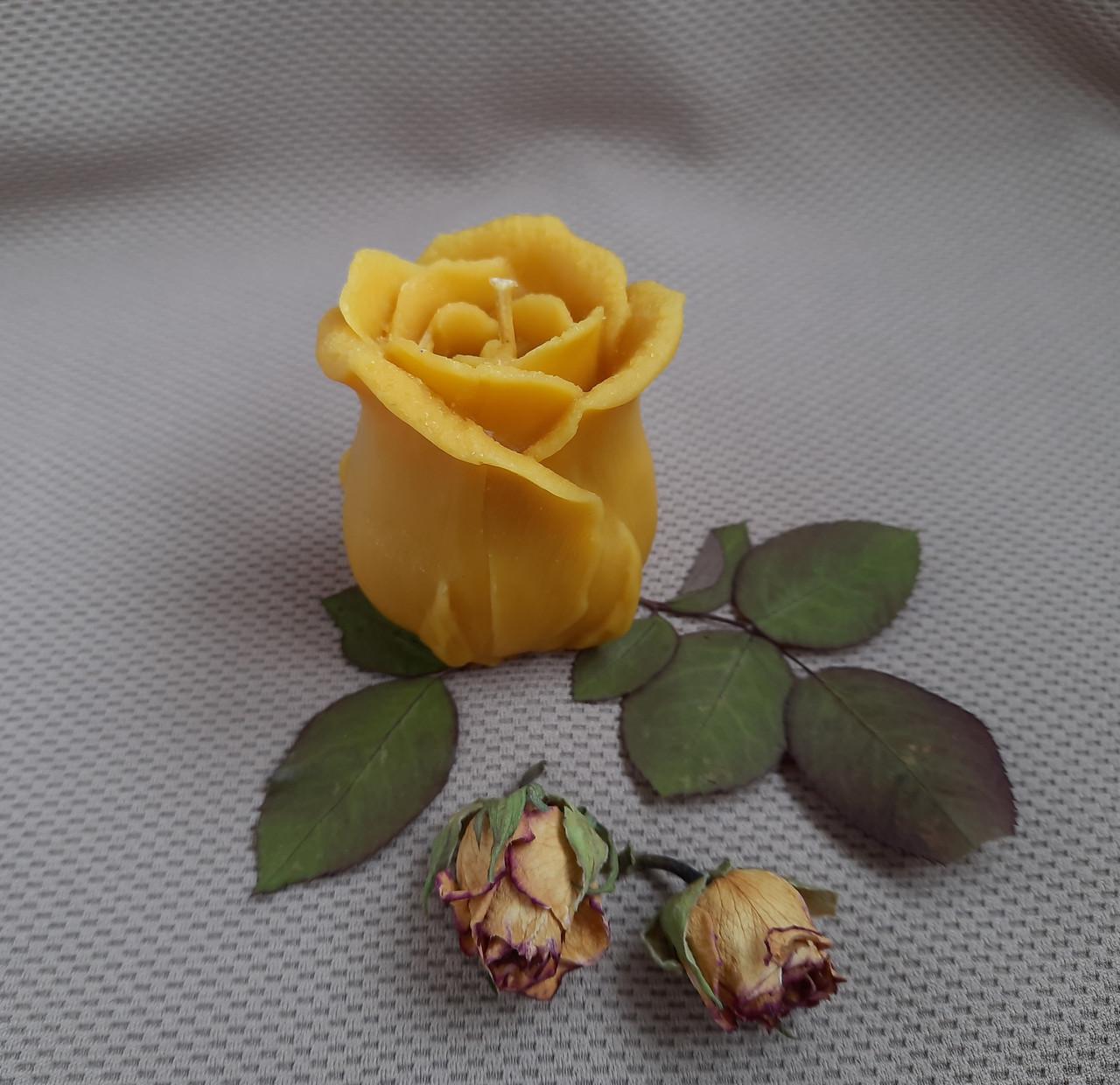 """Свеча восковая из натурального пчелиного воска """"Роза"""" Zigrivay (6х5см) (10035)"""