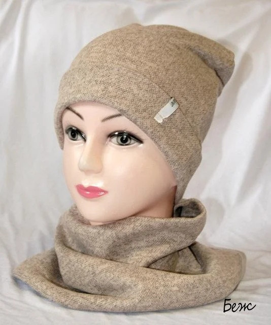 Теплая шапка с хомутом из ангоры