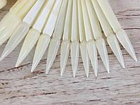 Палитра - веер типсы для лака на кольце матовая белая на 40 штук Стилет 12,5 см