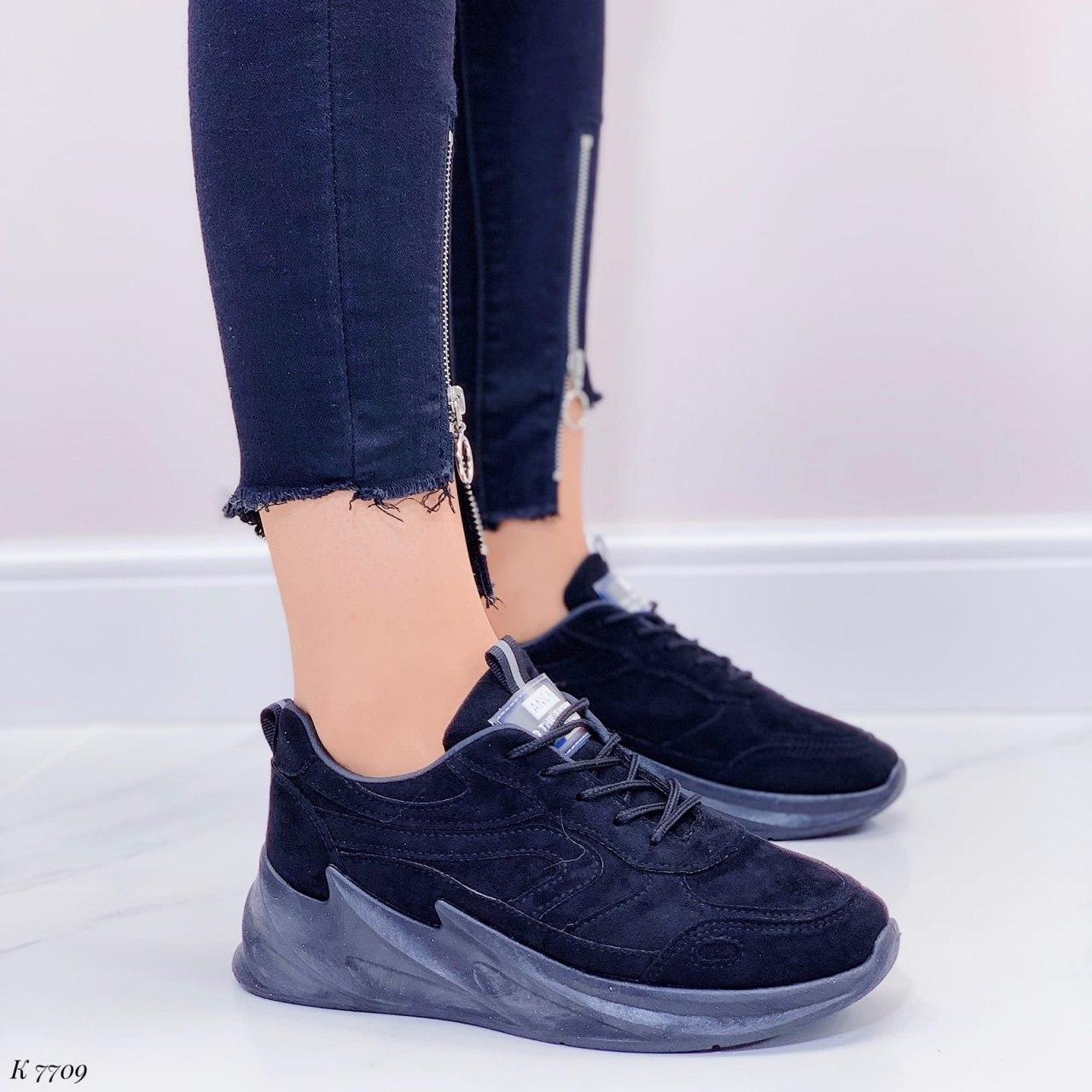 Кроссовки женские черные на платформе из эко замши. Кросівки жіночі чорні на платформі