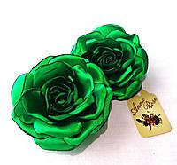 """Заколка-уточка с цветком из ткани ручной работы """"Зеленая атласная роза"""""""