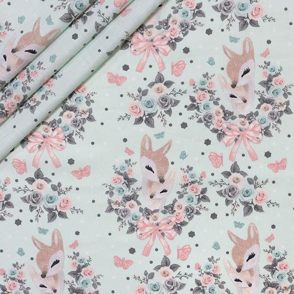 Хлопковая ткань Олени в цветах на мятном
