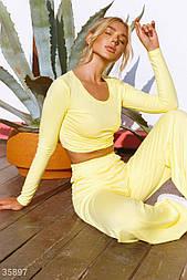 Літній спортивний костюм з кроп-топом жовтий