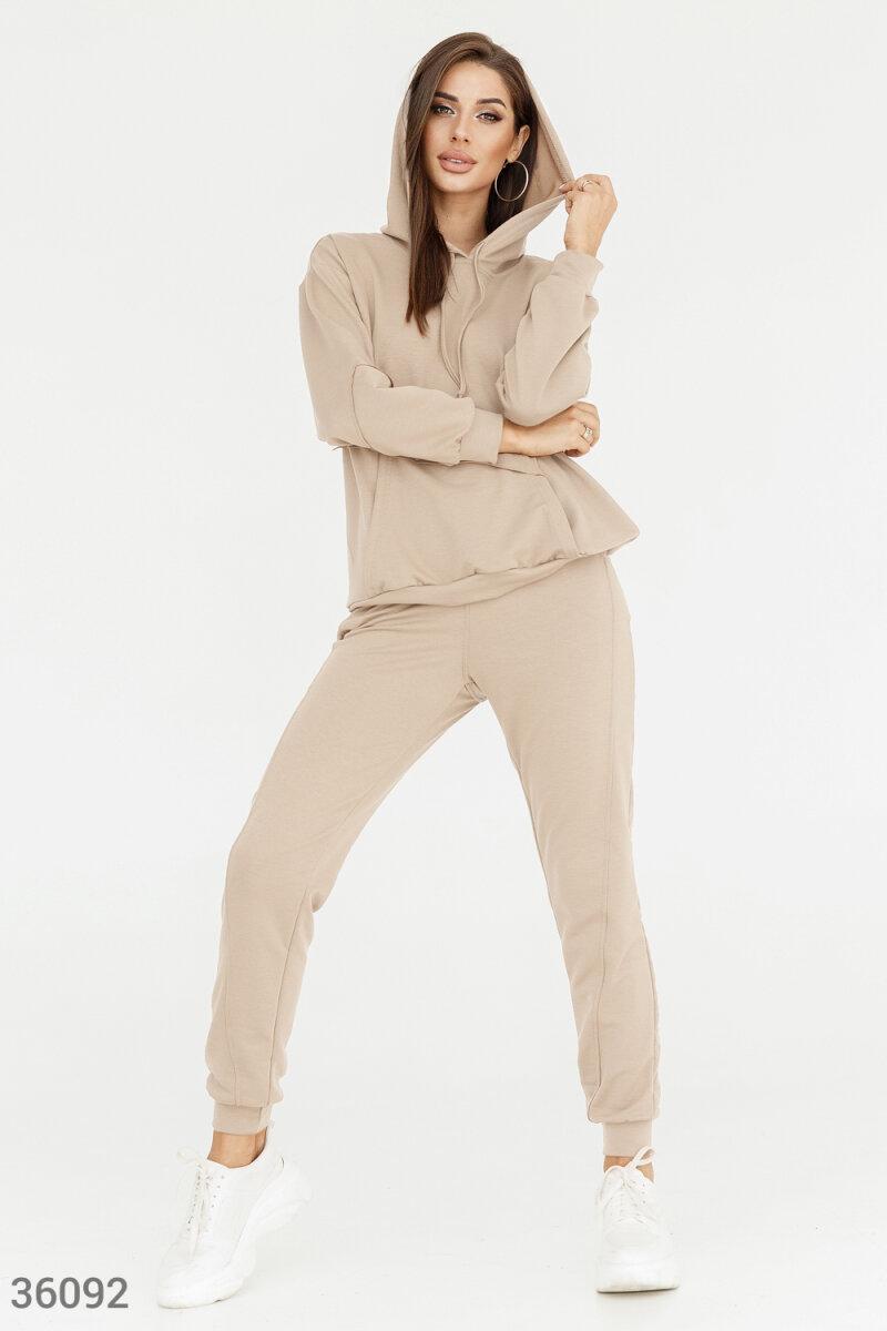 Оригінальний прогулянковий спортивний костюм бежевий