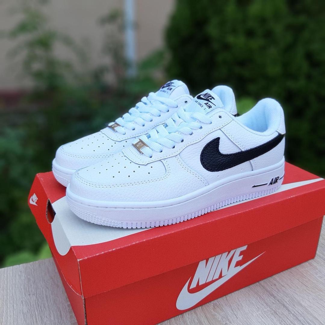 Nike Air Force 1 женские белые с черным демисезонные кроссовки на шнурках