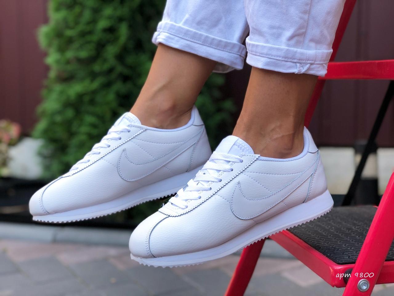 Nike женские демисезонные белые кроссовки на шнурках